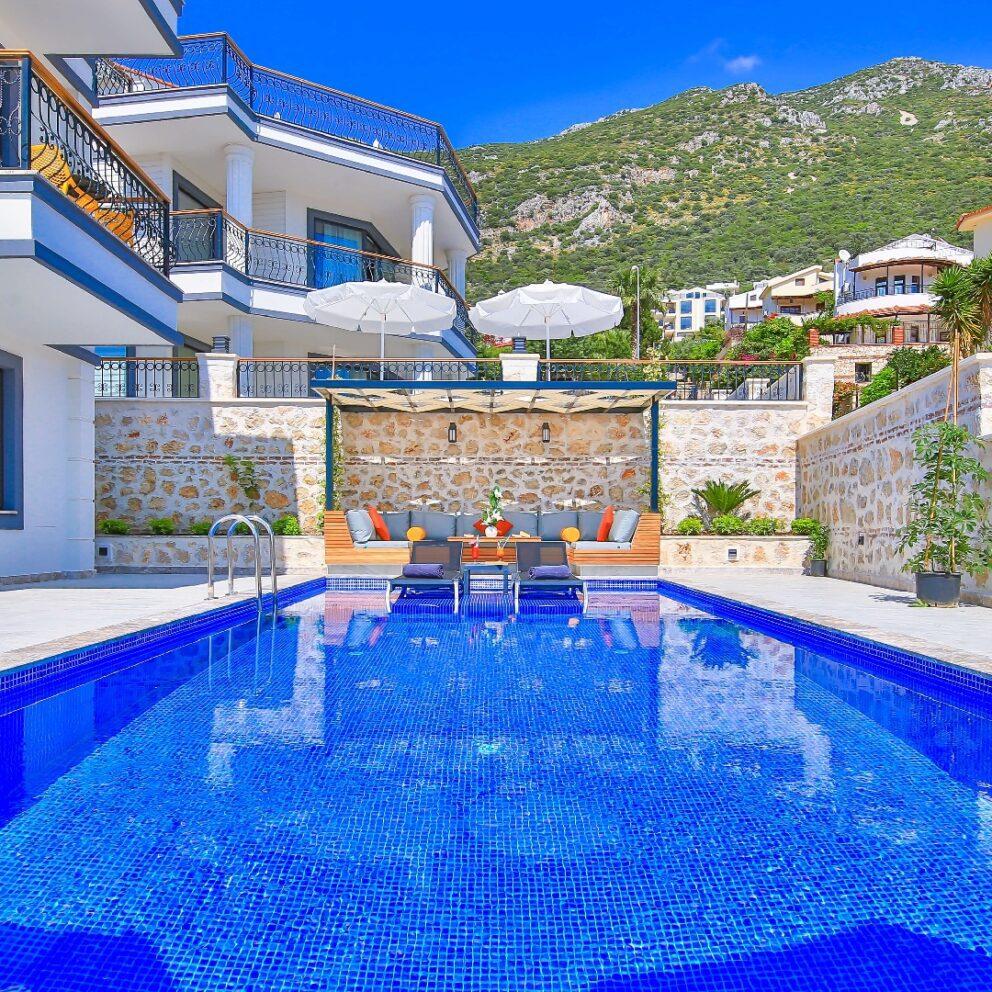 Samira Villa 1 large pool