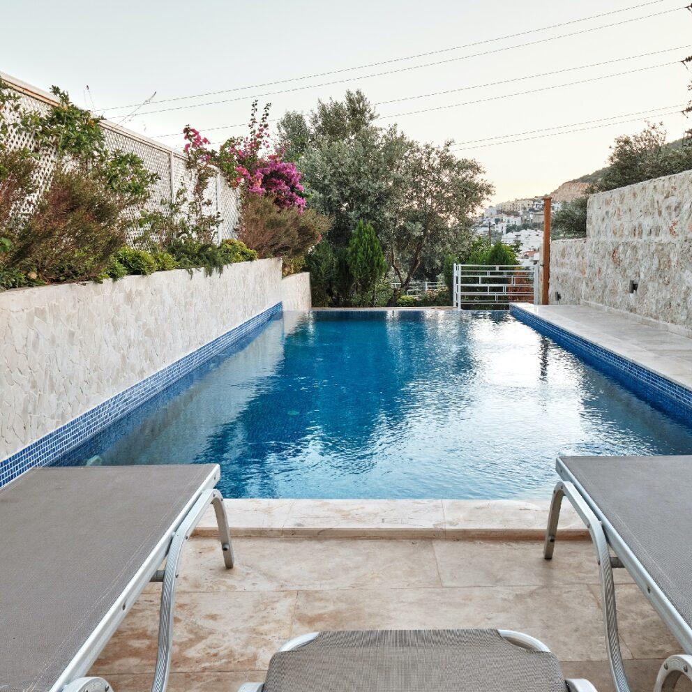 Hatice Sultan Apartment 3 pool terrace