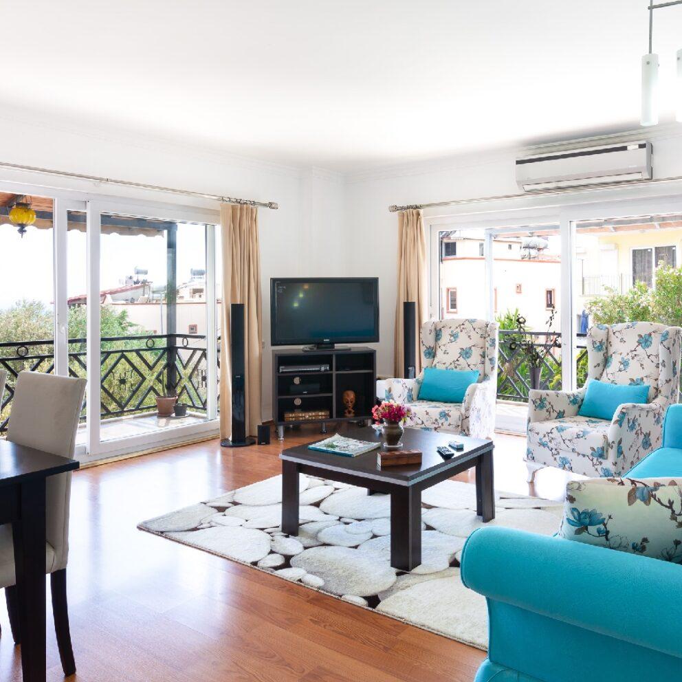 Yigit Apartment living room