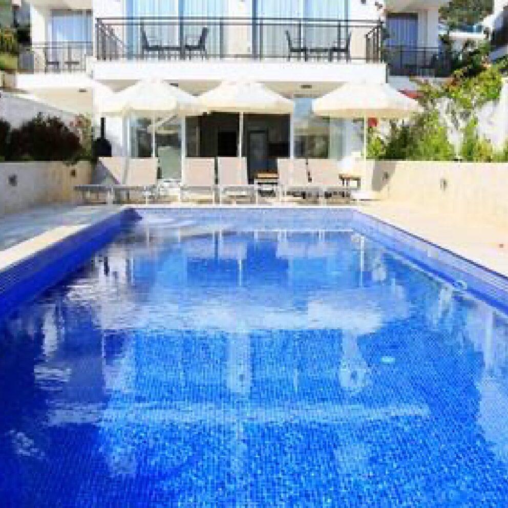 Hatice Sultan Apartment 2 pool terrace